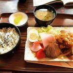 【京都ランチめぐり】太秦の地元民ファーストないぶし銀洋食店!ワンコインで驚きのボリューム☆「オオモリ」