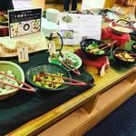 【京都伏見】産直市場直営の京やさいビュッフェレストラン!一風呂ついでにお買いもの「じねんと食堂」