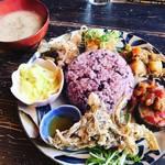 【京都ランチめぐり】京都大学スグ!身体喜ぶカラフルプレート☆沖縄料理店「asian chample foods goya(ゴーヤ)」