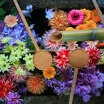 東福寺の勝林寺で鮮やかな花手水を楽しもう【フォトジェニック】