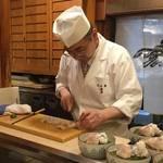 京都を代表する日本料理の名店!カウンター限定、アラカルトのススメ「たん熊北店 本店」