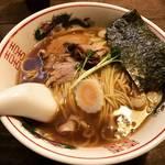 【京都ラーメンめぐり】京都では珍しい『だし』の効いた昭和臭する中華そば!学生にも人気☆「みみお」