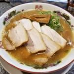 京阪墨染駅近くでほどよい塩梅のこってりラーメン「拉麺へんてこ」