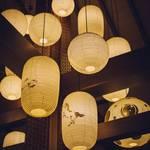 【粋な夜遊び】イケメン提灯職人さんに教わる提灯作りワークショップと祇園散策