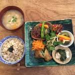 【三条京阪ランチ】『喫茶ホーボー堂』でお野菜たっぷりランチ
