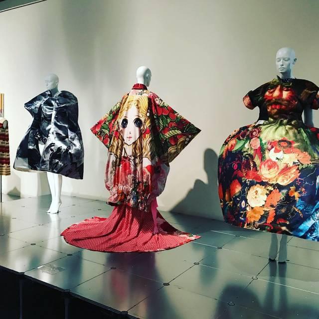 【京都国立近代美術館】大注目☆多様なコンテンツをはらむ斬新なファッション展「ドレス・コード?着る人たちのゲーム」
