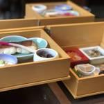 【京都蕎麦】せせらぎの音を聞きながら築100年以上の京町屋で味わう石臼蕎麦「三味洪庵」
