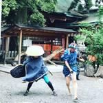 【京都神社めぐり】樹齢800年余の巨木!幕末の志士・坂本龍馬と妻おりょうの逸話残る☆「武信稲荷神社」