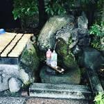 【京都神社めぐり】下鴨神社の境外摂社でラーメン激戦区立地!京の名水『波爾井』も有名☆「賀茂波爾神社(赤の宮神社)」