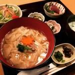 【京都ランチめぐり】しっぽりとした京町家割烹でコスパいい湯葉丼定食!ロケーション抜群の人気店「美先」