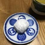 【京都和菓子めぐり】天下人・豊臣秀吉が茶会で用いた銘菓!北野天満宮の門前菓子「長五郎餅」