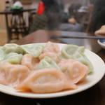 超本格派、本場中国のモチモチ水餃子『餃子王』が山科のレトロ商店街に移転オープン