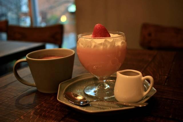 【京都カフェ】ホットドックで人気の東寺そば「POCHER」の2号店♪SNSで話題のプリンが可愛い♪