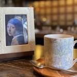 【京都喫茶】クラッシックに包まれて・・・上質な時を過ごせる名曲喫茶『柳月堂』