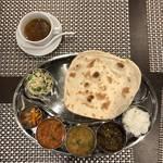 高瀬川沿いでリアルインド体験!インド料理 KHAJURAHO (カジュラホ)【京都】