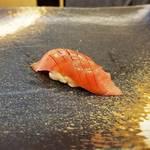 人には教えたくない西院に佇むアテもうまい寿司店「鮨 みさき」