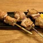 【京都焼鳥】予約必至の人気炭火焼き鳥店!『くちばしモダン』