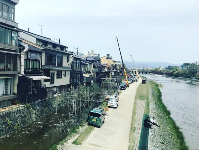 【2020京都風景】希望の光☆例年どおり5月実施へ向け着々と準備中!京の風物詩「鴨川納涼床」