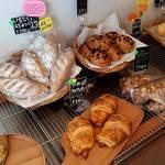 【京都パン屋めぐり】 ふっくらもっちり味わう天然酵母パン「Bread Tsukune(ブレッドツクネ)」