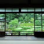 【京の写真旅】半夏生が美しい初夏の庭園が魅力「建仁寺両足院」【建仁寺】