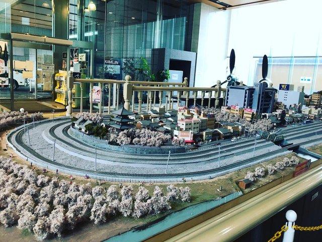 【京都マニアック企業】京都が誇る模型メーカー巨大ショールーム☆ボークス 「ホビースクエア京都」