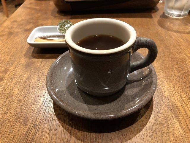 コーヒーロースターの名店「ウニール」のスペシャルティコーヒーがいただける『巣箱』