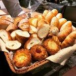 【京都モーニングめぐり】北山の好立地ベーカリー!パン食べ放題併設レストランは行列人気「ブリアン」