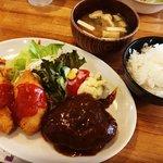 【京都ランチめぐり】伏見住宅街の地元民御用達洋食!ボリューム満点&割安「オムライスあらき」
