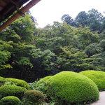 見事な日本庭園が出迎えてくれる、一乗寺の『詩仙堂』