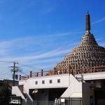 新選組と縁が深い四条大宮の『壬生寺』には十益ものご利益がある!