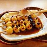 【京都和菓子】みたらし団子発祥の地・下鴨神社門前のテッパン甘味処「加茂みたらし茶屋」