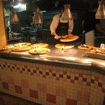 【悲報】京都新京極の食べ放題ピザ店が閉店!貧乏学生の救世主的名店「シェーキーズ」