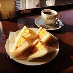 【京都モーニング】『Amazon』間違い電話で話題の老舗☆絶品玉子サンド必食「喫茶アマゾン」