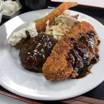 丸太町のレトロすぎる洋食店「白扇(はくせん)」