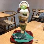 【京都】寒くても食べたくなる、老舗『永楽屋』のパフェ