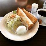 【京都モーニング】北野白梅町の名物店☆24時間営業の老舗喫茶「ハーバーカフェ」