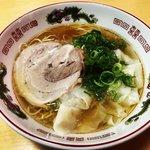 【京都ラーメン】黄金スープの昔懐かしい中華そば!ワンタン必食「繁ちゃんラーメン」