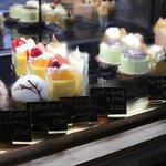 お酒とケーキとおつまみ☆新スタイルのスタンドバー「あしべ」オープン!【五条大宮】
