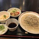 【京都ランチ】手打ち十割蕎麦と小鉢やご飯付日替わり定食「Ken Gyu(牽牛)」