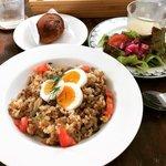 【京都ランチ】心地よい空間でカジュアルにロシア料理!テラス付カフェ「ヨージク」