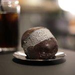 黒いマリトッツォに黒のラテ☆ブラックコーデのカフェオープン!【京都・河原町高辻】