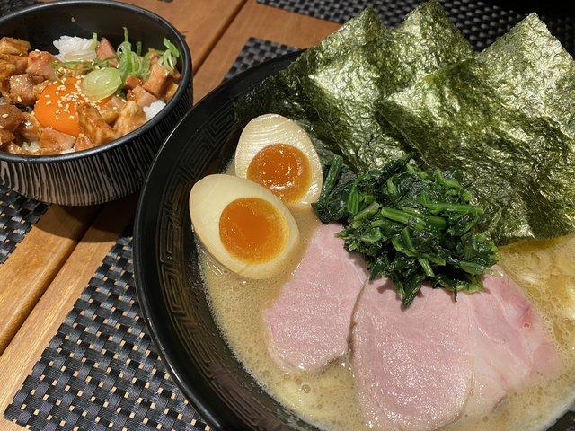 【京都ラーメン】やみつき注意♥ 家系豚骨・濃厚スープがクセになる『セアブラノ神』