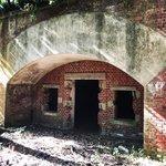 【京都ぶらり】廃墟マニア必訪!レンガ造の旧陸軍舞鶴要塞「葦谷(あしたに)砲台跡」