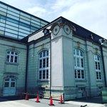 【京都ぶらり】岡崎文化エリアに圧倒的存在感☆明治レトロ建築「京都府立図書館」