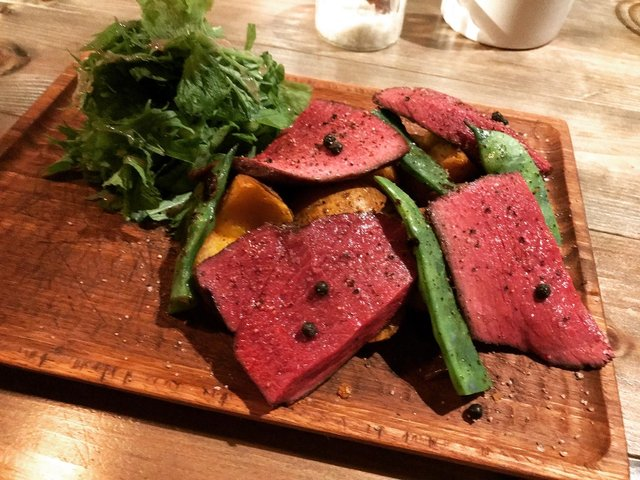 【京都居酒屋】予約必至のワイン豊富な人気バル☆炭火焼ジビエは必食「三本木商店」