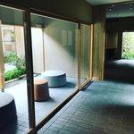 【京都美術館】和菓子の老舗『鍵善良房』がオープン!注目画家・山口晃展も「ZENBI」