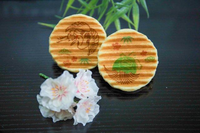 【敬老の日】縁起のいい鶴と亀デザインの千寿せんべいで長寿を願う「鼓月」【お取り寄せ可能】