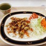 【京都ランチ】京都大学学生食堂でハラール料理が手軽に食べられる「カフェテリアルネ」