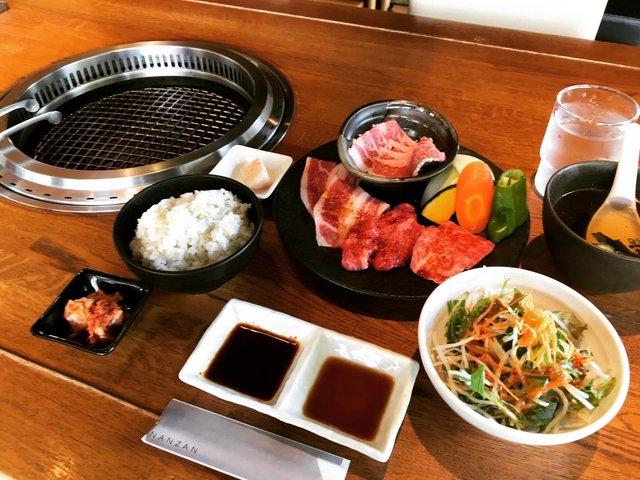 【京都ランチ】有名人御用達こだわり牛肉を手軽に☆築200年古民家リノベ店「焼肉南山」