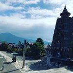 【京都ぶらり】比叡山を背景にそびえるエキゾチック巨塔☆流転の歴史持つ寺院「妙満寺」